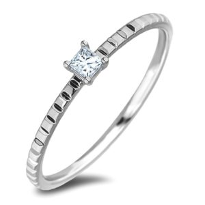 Canadian solitaire princess cut diamond ring