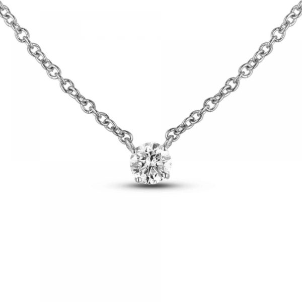 canadian Round diamond solitaire necklace